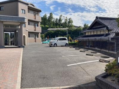 【駐車場】エクセレントウエムラ