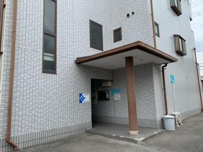 【エントランス】サワーハイツ萩原天神