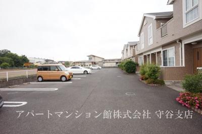 【駐車場】ガーデン・スクエアB
