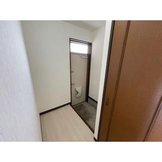 【玄関】ビューハイツ講堂