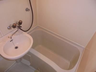 【浴室】カーサアイ 新富町