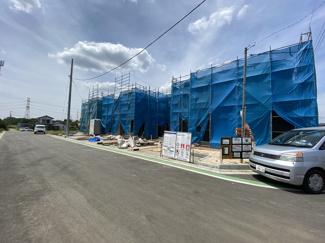 駐車が苦手な方も宅内道路が6.5mと広くラクラク簡単駐車出来ます。