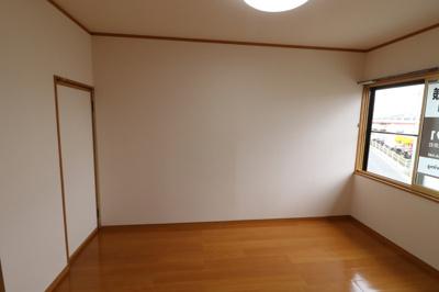【洋室】アメニティ津志田 A