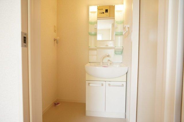 室内洗濯機置場 同型モデル