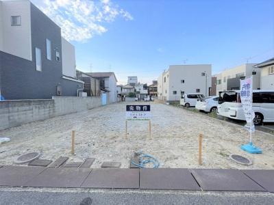 【土地面積約75.50坪】 土地は約75.50坪ととても広々しております。戸建だけではなく、アパート建築等にもいかがでしょうか。