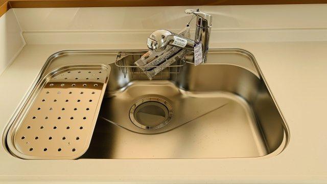 【同仕様施工例】お手入れラクラクシステムキッチンです。