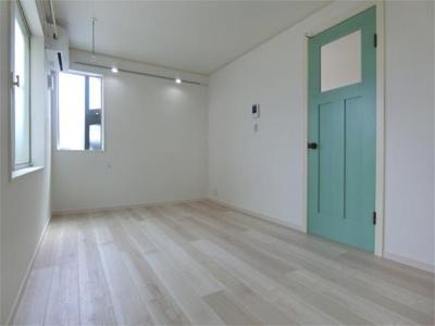 【居間・リビング】ハーミットクラブハウス霞台Ⅲ