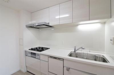 食洗機付きキッチンでお料理をお楽しみください
