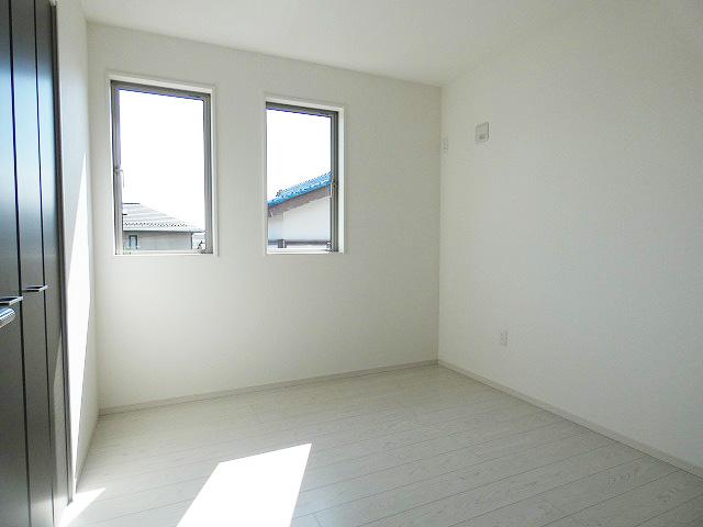 5.2帖の洋室です。本日、建物内覧できます。住ムパルまでお電話下さい!
