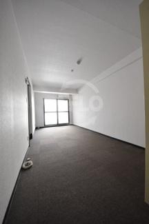 ニューライフ平野町 洋室