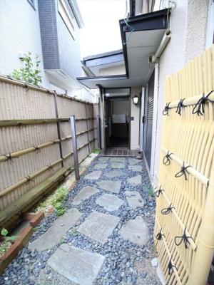 【玄関】温水上原貸家