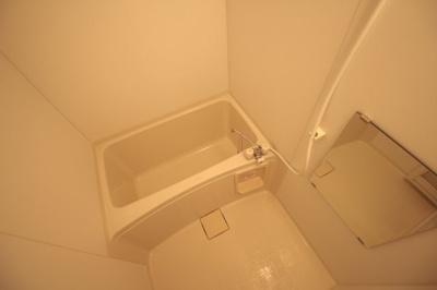 温水洗浄便座です♪ ※写真は別号室です。