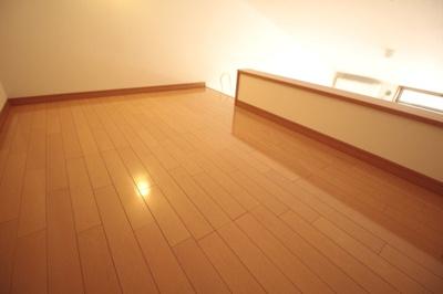 角部屋なので2面採光となってます♪ ※写真は別号室です。