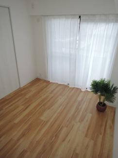 約6帖の洋室、陽当たり・通風良好