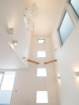 施工事例写真です! 吹抜けにして採光をたくさん取り込む事もできます。