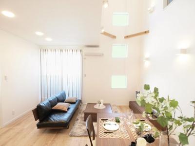 室内 施工事例写真です! クロスの柄やお色もお選びいただけます。