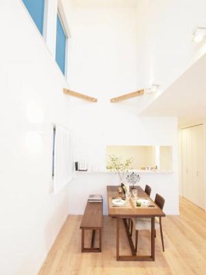施工事例写真です! 天井が高いと開放感が増しますね♪些細な事もご相談ください(^^)