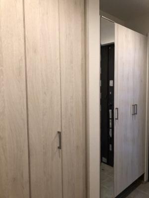 施工事例写真です! 建て付けのシューズボックスがあると玄関がスッキリしますね♪