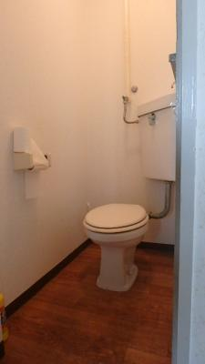 写真は同タイプの401号室の写真となります。