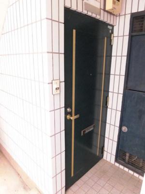 【玄関】ガーデンハイツ1号棟