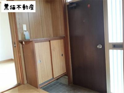 【玄関】平和ヶ丘借家