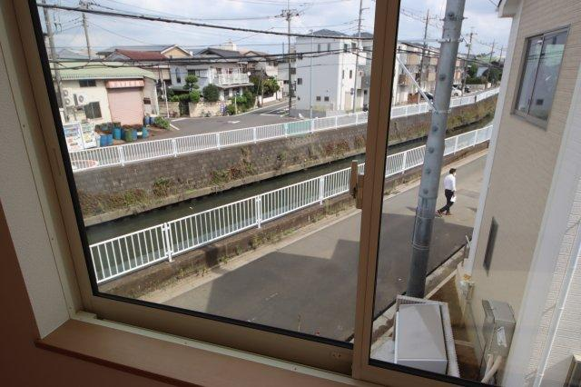 (12:30撮影 21/09/28)晴れ 竪川が近くを流れています。