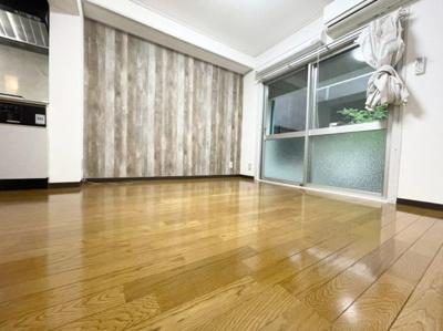 【居間・リビング】エバーグリーン新大阪