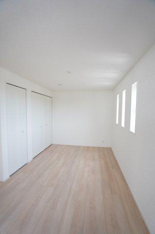 【同仕様施工例】8.5帖の洋室です。