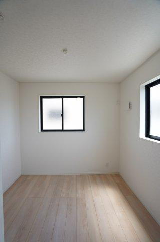 【同仕様施工例】5帖の洋室です。