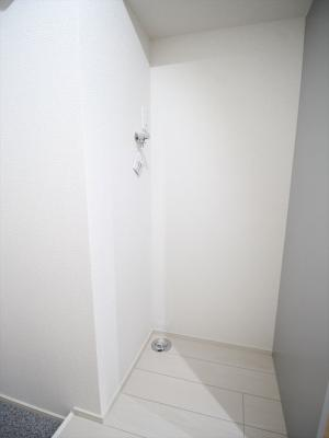 室内洗濯機置き場はこちら。同タイプの別室の写真