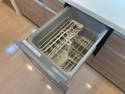 食器洗浄機つきです。後片付けが楽になります。