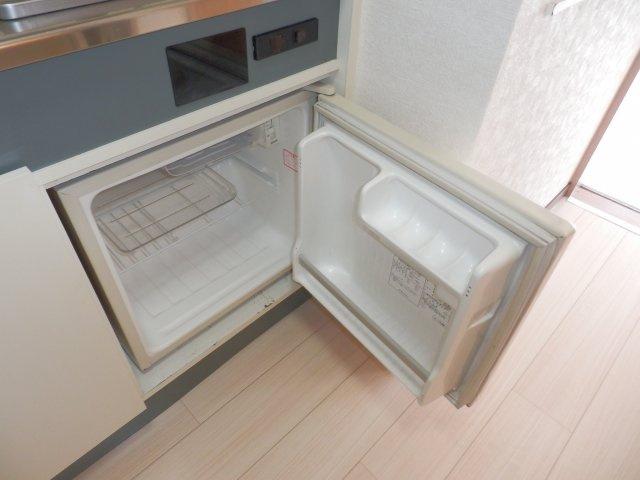 ミニ冷蔵庫付き。
