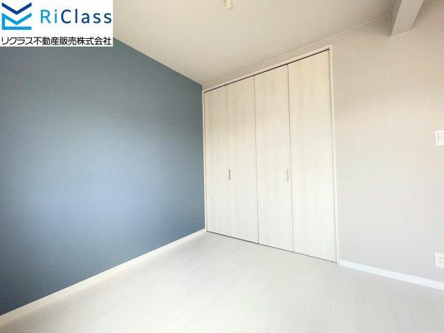 3階10帖の洋室には1.5間のクローゼットがございます