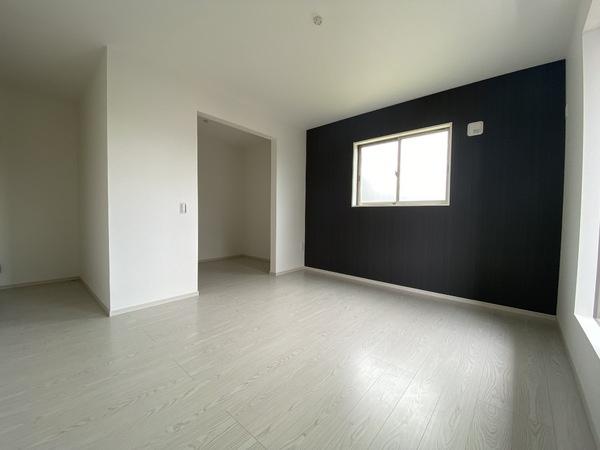2階南東側の洋室です。