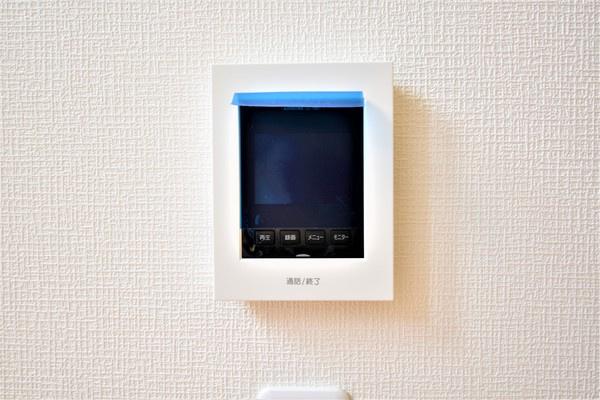 テレビモニターインターフォン! 来客者も確認でき防犯面でも安心です