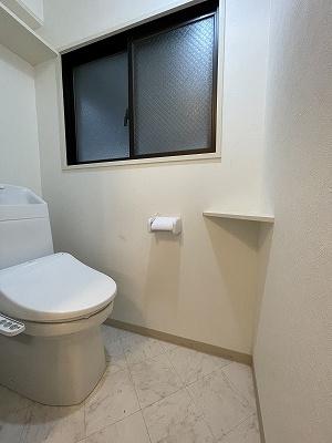 清潔感のあるトイレです(2021年新品入替)