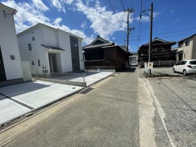 【前面道路含む現地写真】小野市東本町 2号地
