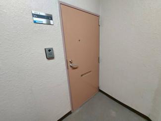 玄関ドアです♪