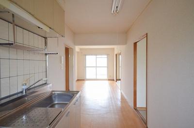 【居間・リビング】リベラルマンション