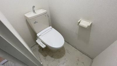 温水機能付きトイレ♪