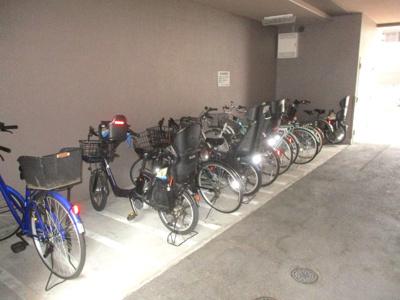 【駐輪場】神戸本山ガーデンハウス