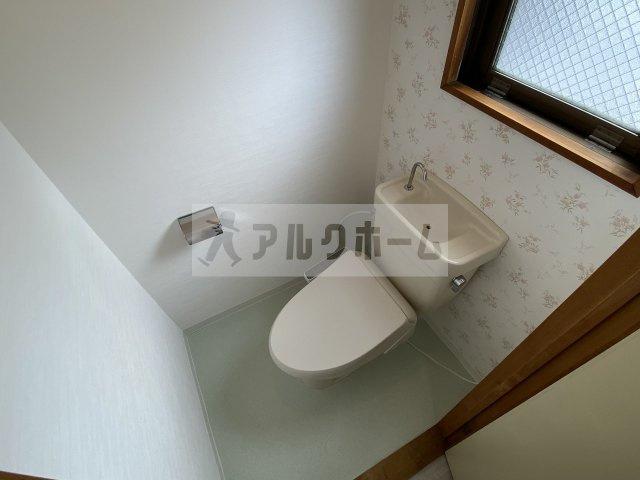 おトイレも窓付き