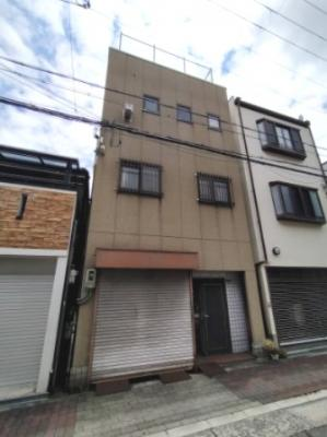 ◎大阪メトロ千日前線・今里筋線『今里』駅徒歩5分の好立地 ◎小学校が近くお子様の通学が安心ですね♪ ◎コリアンタウンも徒歩圏内!韓流好きにはたまらない立地です♪