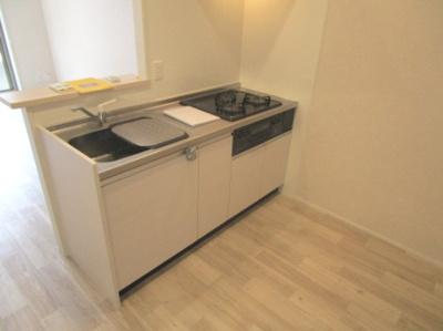 【キッチン】adonis court 加美NEXT(平野区加美北8丁目アパート)