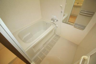 【浴室】エメラルドヴィラ