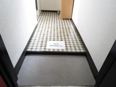 【玄関】レジデンスラフォーレI