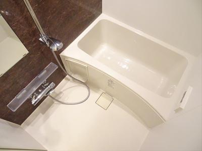【浴室】リフュージュオーフォレストⅢ