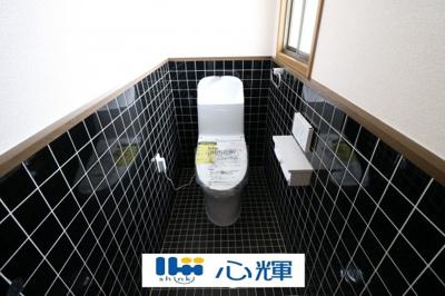 温水洗浄トイレ、新品へ交換済みです。