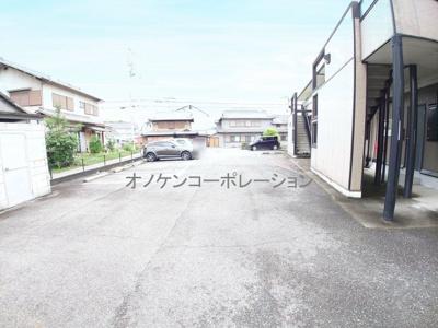 【駐車場】ピッケル加佐
