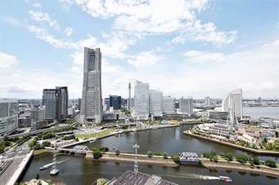 横浜ランドマークタワーをはじめとしたみなとみらい地区を一望できます♪